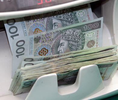 Banki podnoszą ceny usług. Klienci zapłacą za koronakryzys