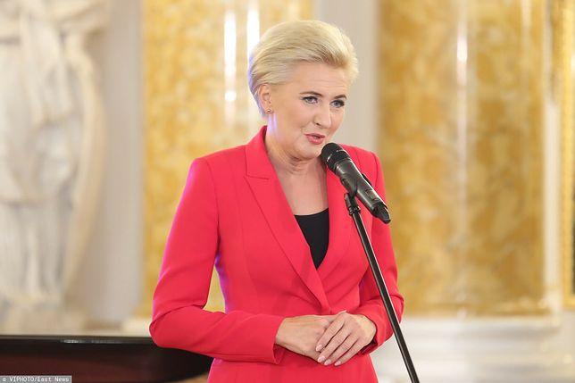 Szczepienia w Polsce. Pierwsza Dama zaszczepi się wcześniej? Prezydencki minister Andrzej Dera zabrał głos