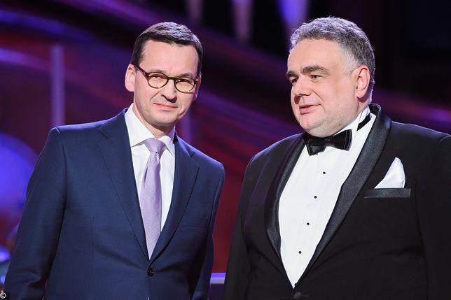 Tomasz Sakiewicz o naklejkach ws. LGBT. Podczas wywiadu zadzwonił minister