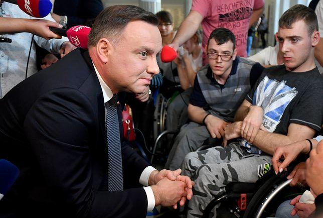Andrzej Duda spotkał się w protestującymi w Sejmie