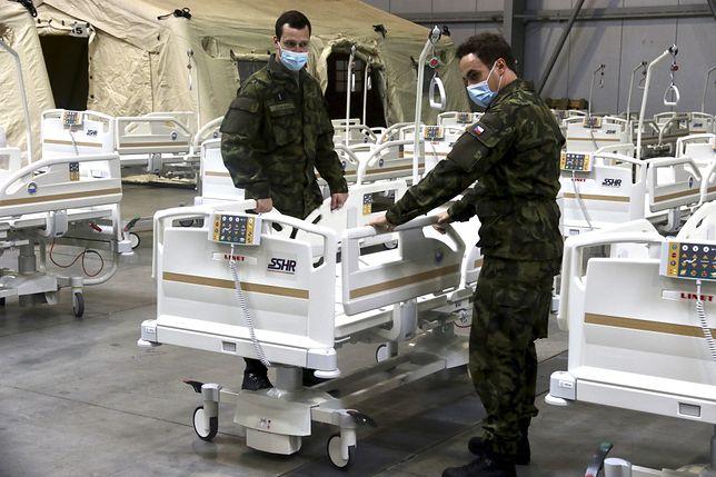 Koronawirus. Czechy wracają do wiosennych obostrzeń