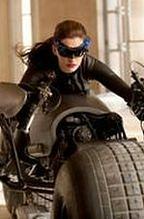 ''Mroczny rycerz powstaje'': Anne Hathaway wymarzoną Kobietą-Kotem