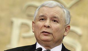 """Jarosław Kaczyński pisze """"Kod Kaczyńskich"""", książkę o swoim bracie"""