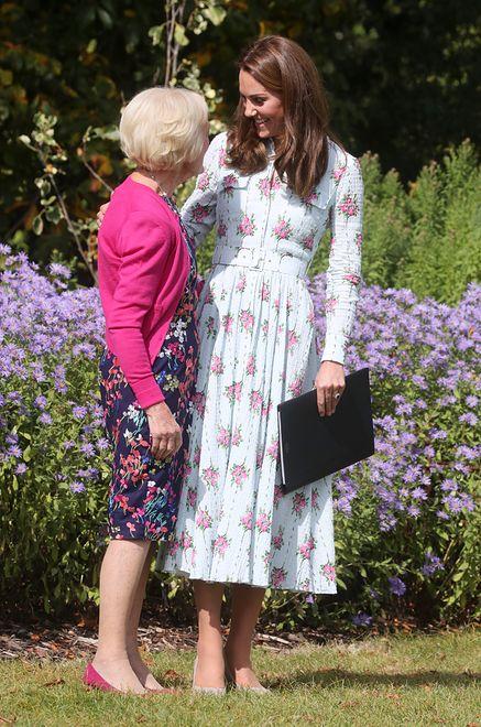 Księżna Kate w kwiecistej sukience