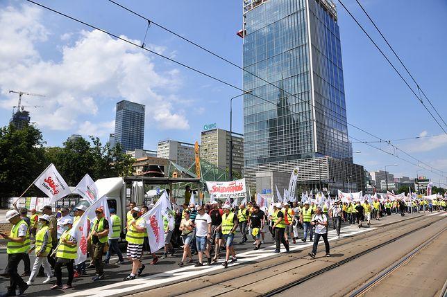 """Warszawa. Manifestacja górników i energetyków. """"Tu jest Polska, nie Białoruś"""""""