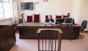 Sędzia od Amber Gold nadal czyta wyrok. To już dwa miesiące