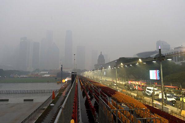 Trująca mgła utrudnia życie w Malezji. Władze zamknęły szkoły