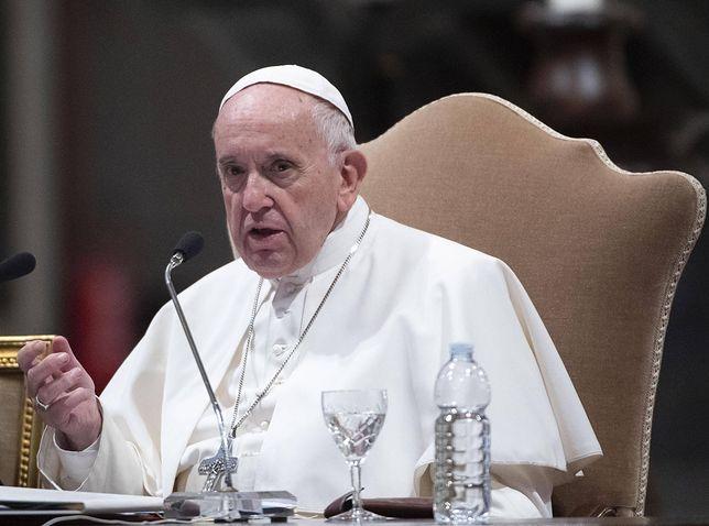 """""""Tylko nie mów nikomu"""" z hiszpańskimi napisami. Twórcy chcą, by film obejrzał papież Franciszek"""