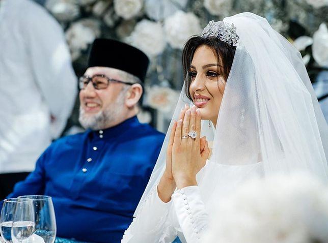 Były król, sułtan Muhammad V i jego żona, Oksana Voevodina