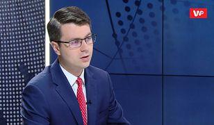 Tłumaczenie rzecznika rządu ws. lotów Morawieckiego do Krakowa