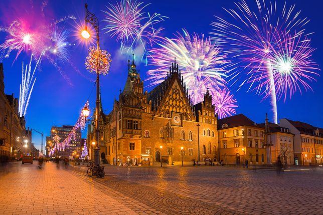 W tym roku wrocławianie, którzy nie maja planów na 31 grudnia, mogą wybrać miejski sylwester. Wrocław zamieni się w wielką scenę taneczną, na której będą królować dyskotekowe rytmy
