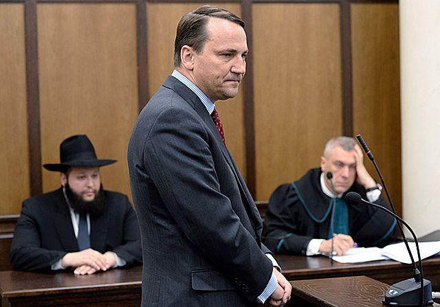 Radosław Sikorski zeznawał w sądzie - zdjęcia