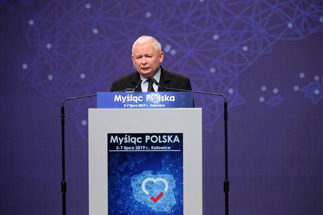 """Jarosław Kaczyński na kongresie PiS w Katowicach o """"ofensywie zła"""". Tłum oszalał"""