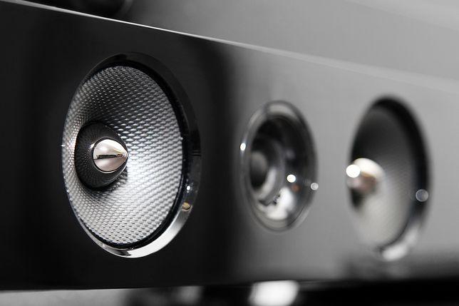 Soundbar poprawia dźwięk