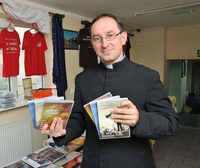 Szefem organizacji, która spaliła w Gdańsku książki jest ks. Rafał Jarosiewicz