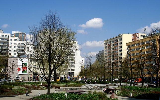 Deskorolkarze zostają na placu Grzybowskim