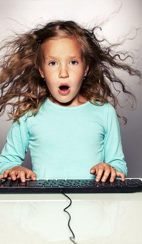 Pomyśl o przyszłości córki już dziś! Sprawdź, jak nauczyć ją programowania