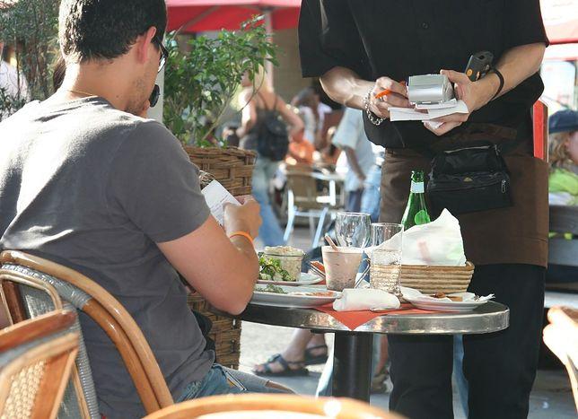 Oszuści zmorą warszawskich restauratorów. Zjadają i znikają nie płacąc rachunku