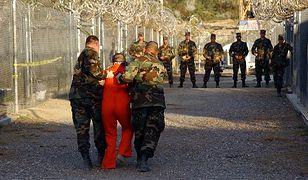Więźniowie z Guantanamo przewiezieni do Arabii Saudyjskiej