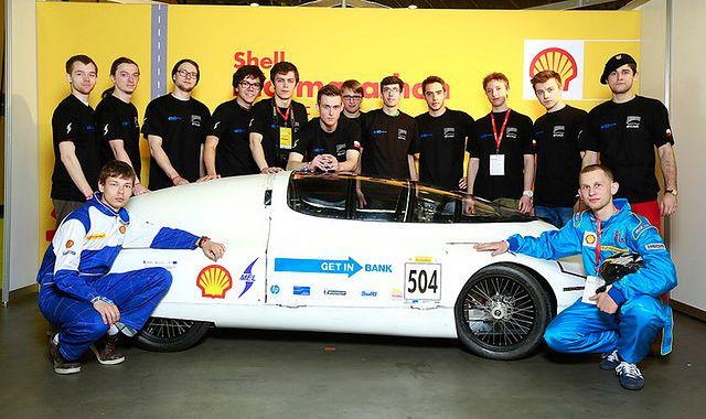 Polscy studenci przejechali 370 km na litrze benzyny!