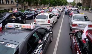 """Protestowali taksówkarze, a zyskał Uber. """"Wzrost większy niż zwykle"""""""