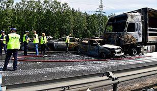 Wypadek na A6 pod Szczecinem. Bohater z Ukrainy wyciągał ludzi z płonących aut. Miał tylko gaśnicę i baniak z wodą