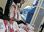 Odpowiedzą za handel papierosami z przemytu; SP stracił ponad mln zł
