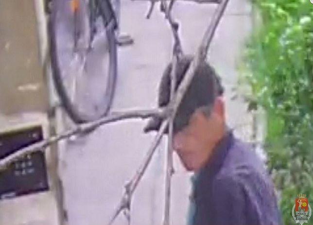 Poznajesz tego mężczyznę? To podejrzany o kradzież roweru