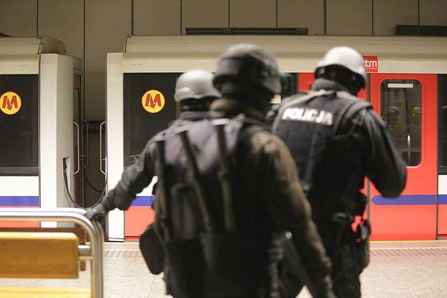 """Przywrócono ruch w metrze. """"Nie ma żadnego zagrożenia"""""""