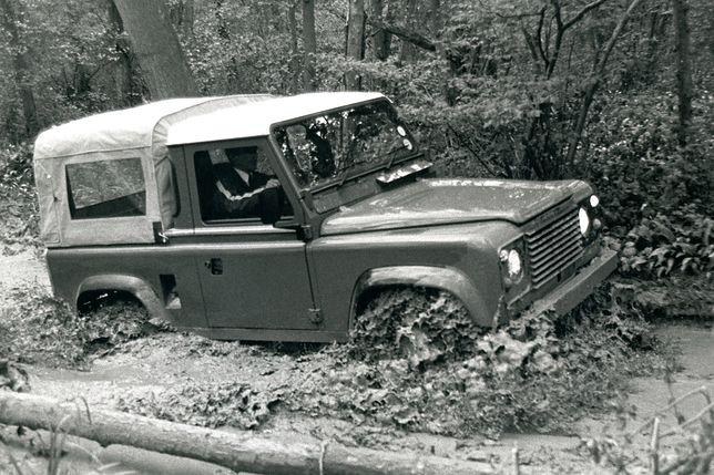 Land Rover 90 Defender