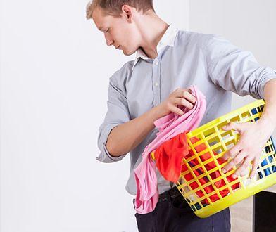 Utrzymanek, kogut domowy czy pan domu? Mężczyźni na utrzymaniu kobiet