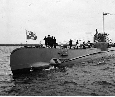 """Henryk Kłoczkowski - dowódca okrętu podwodnego ORP """"Orzeł"""" uciekł i zostawił swoją załogę"""