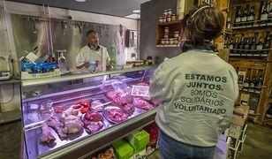 Dwie partie mięsa drobiowego mają bakterie Salmonelli.