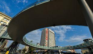 Jedyna w Polsce okrągła kładka dla pieszych. Wygoda czy faworyzowanie samochodów?