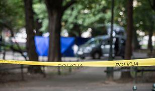 Kraków. Brutalne morderstwo na Plantach. Mężczyzna znaleziony z nożem w klatce piersiowej