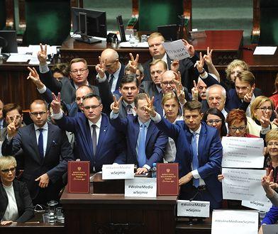 Poseł Szczerba pozwał marszałka Kuchcińskiego. Za wykluczenie z obrad Sejmu