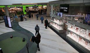 Warszawa. Od poniedziałku otwarte galerie handlowe. Pojawiają się pierwsi klienci