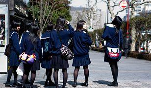 Rodzice uczniów zszokowani. Japońska szkoła każe nosić mundurki od Armaniego