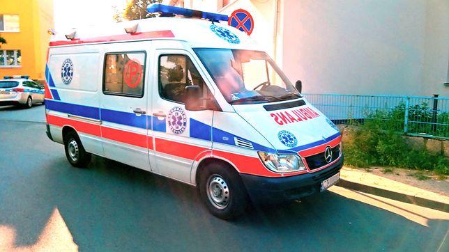 Agresywny pacjent zaatakował ratowników. Miał cztery promile