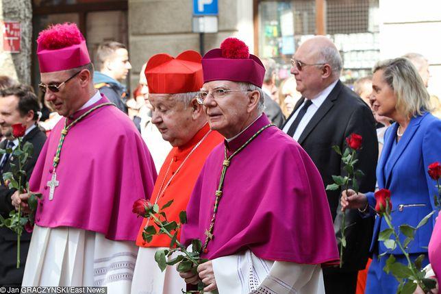 Od lewej: abp Wojciech Polak, kard. Stanisław Dziwisz, abp Marek Jędraszewski