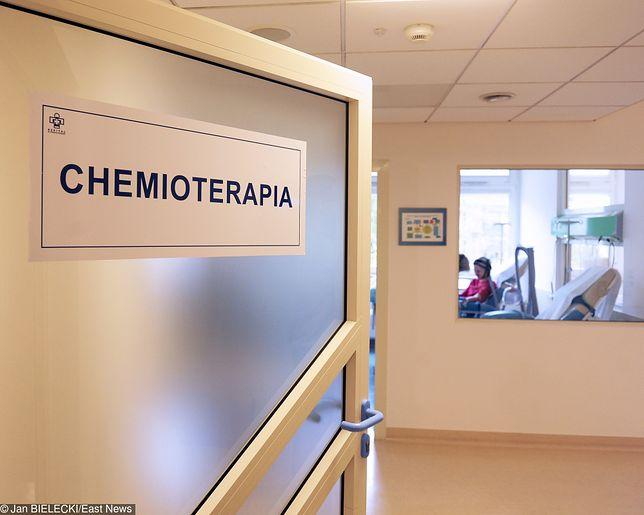"""Makowski: """"Demagogia w onkologii. Leczeniem raka w Polsce żaden z rządów nie zajął się na serio"""" [OPINIA]"""
