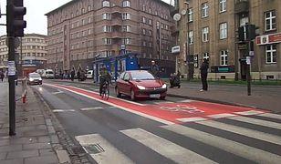Przepisy o rowerzystach: kierowcy muszą się wiele nauczyć