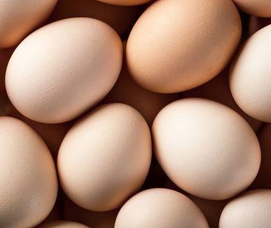 3 genialne sposoby na obranie jajka! Są łatwe i bardzo szybkie