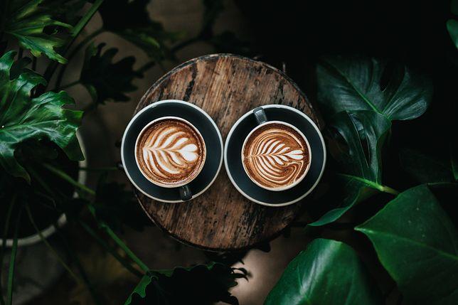 Znajdź najlepszy sposób na przygotowanie kawy w domu