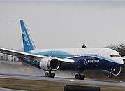 Eksperci z USA już w Japonii, będą badać usterki Dreamlinerów