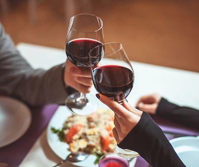 Wybór odpowiedniego dania na randce może przysporzyć wiele kłopotu