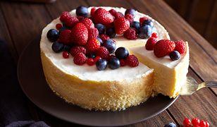 Nowe oblicze sernika. Pomysły na ciasto bez sera