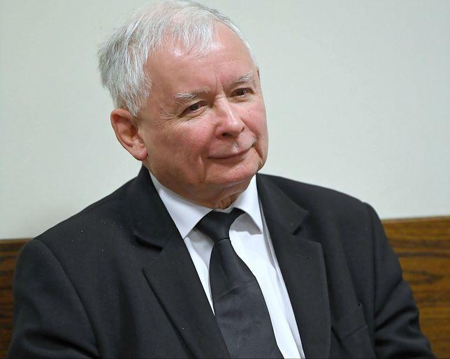 """Jarosław Kaczyński złożył zawiadomienia do prokuratury. Na """"Gazetę Wyborczą"""" i PO"""