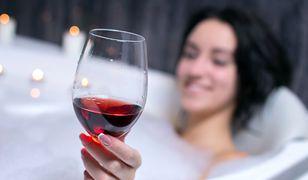 Dziennikarz sprawdził, czy winoterapia działa
