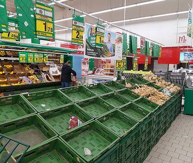 Zakaz handlu i dzień wolny oznacza... puste półki w sklepach